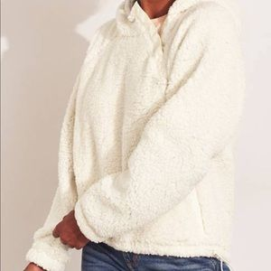 NWT hollister Small Sherpa hoodie with pockets